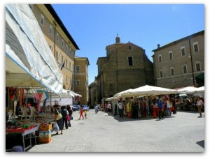 food markets le marche italy