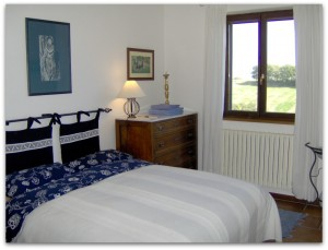 bed and breakfast le marche italy bedroom