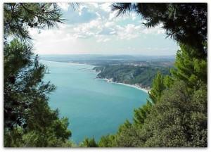 conero adriatico spiaggia le marche italy